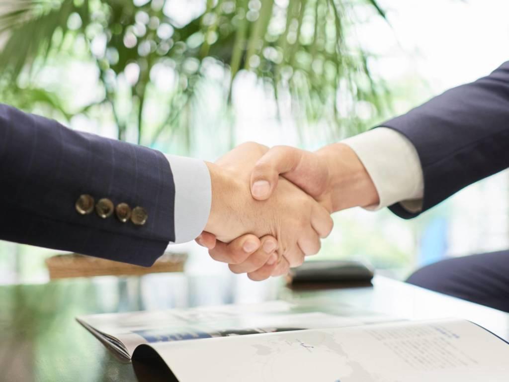 ビジネスマッチング 握手